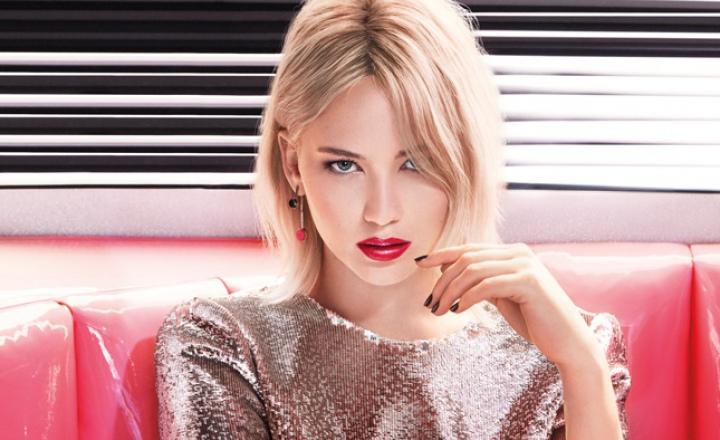 Твердый лак для губ: новая линия помад Dior Addict