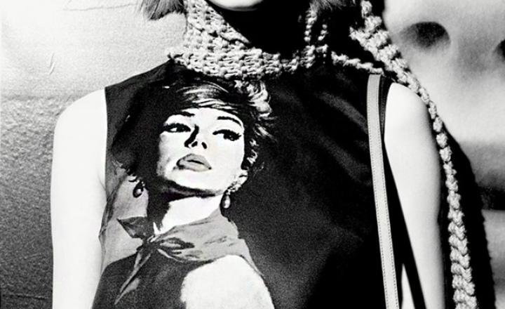 Капсульная коллекция Prada c феминистическими постерами