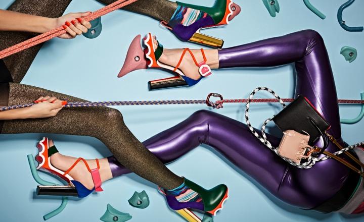 «Спортивные» туфли Christian Louboutin на очень высоких каблуках