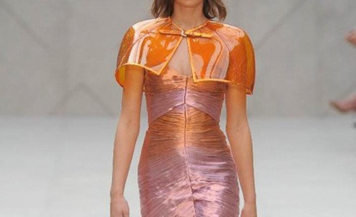 То тренч, то кейп: Burberry Prorsum на Неделе моды в Лондоне