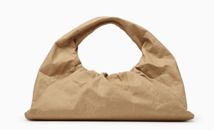 Bottega Veneta выпустили сумки из переработанной бумаги за £930 и £1700