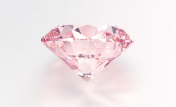 Продан самый крупный в мире розовый бриллиант