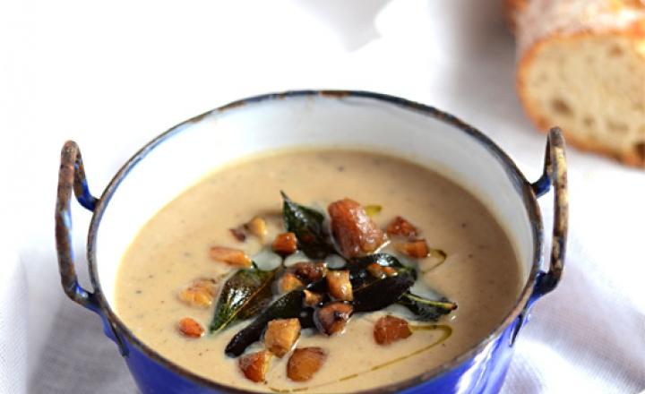 Нежнее нежного: каштановый суп с шалфеем