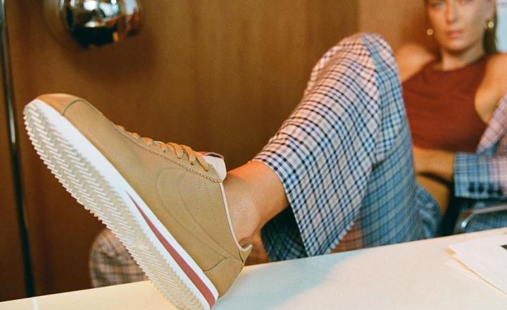 Мария Шарапова преобразила легендарные кроссовки Nike Cortez