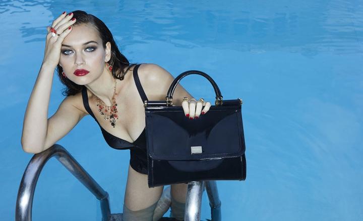 Культовая сумка Dolce & Gabbana Sicily теперь из прозрачного каучука