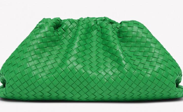 Новая сумка Bottega Veneta: клатч в форме пельменя