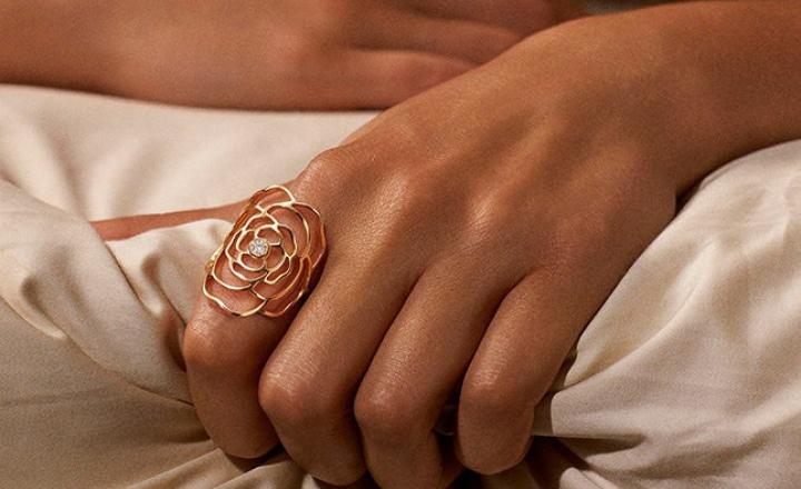 Обновление коллекции драгоценных камелий Chanel