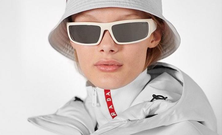 Prada представили лыжную коллекцию Linea Rossa из технологичного нейлона
