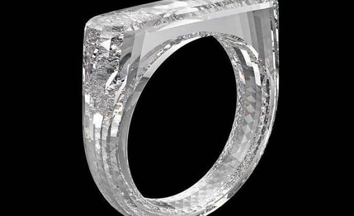 Создано кольцо полностью из бриллианта