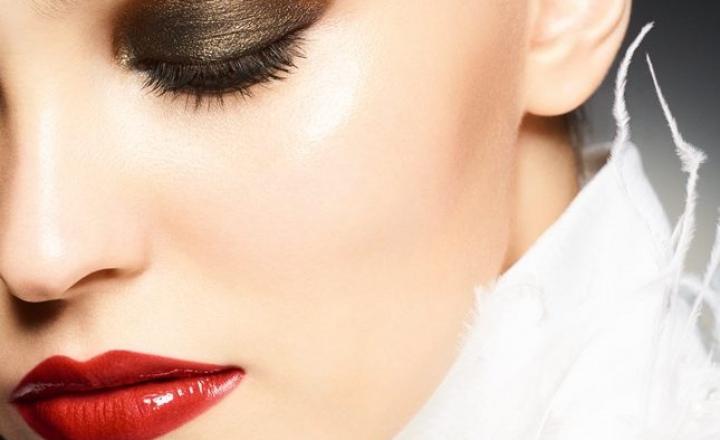Рождественская коллекция макияжа Maximalisme de Chanel