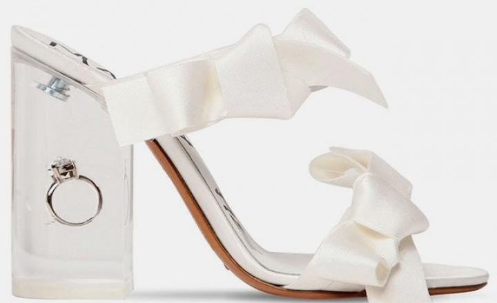 Уже с кольцом: босоножки Maison Margiela для свадьбы и помолвки