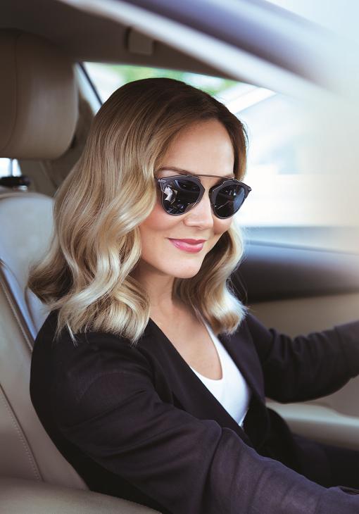 Как бережно окрасить и восстановить волосы